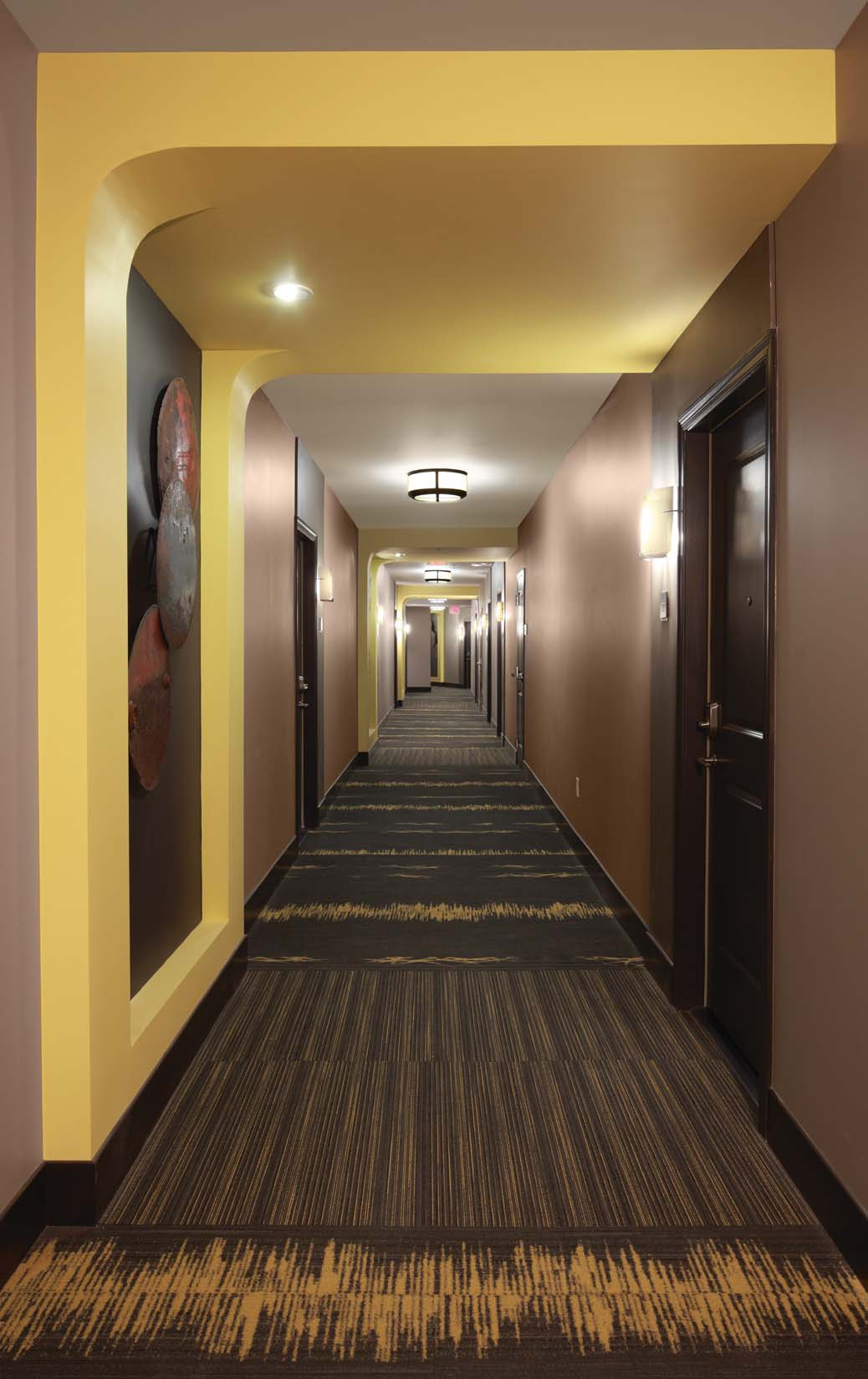 1919 Clarendon_hallway.jpg