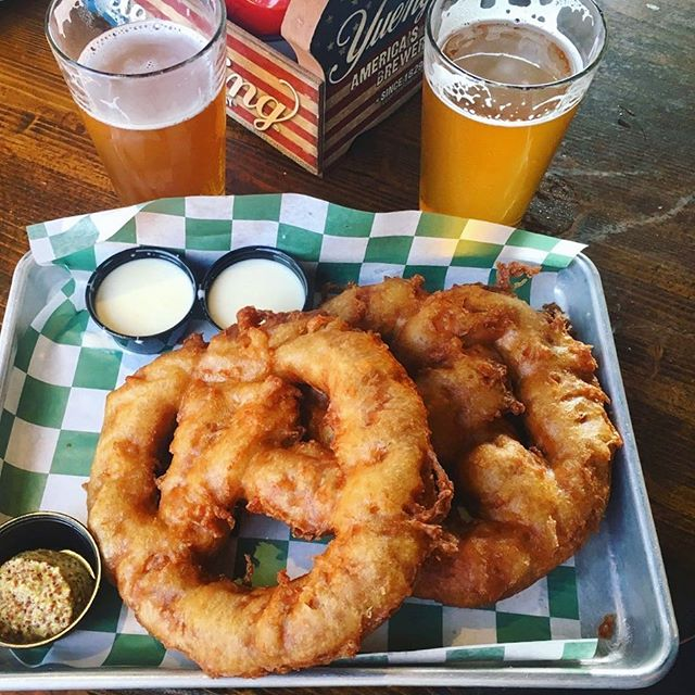 Seeing double. 🥨🍻🙄 #tgif #getstealz @ralbeergarden {photo by @madison.beuris}