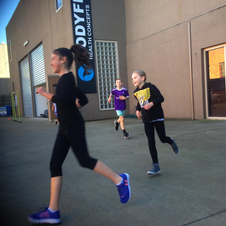 Kids_fitness_girls_runnning.jpg