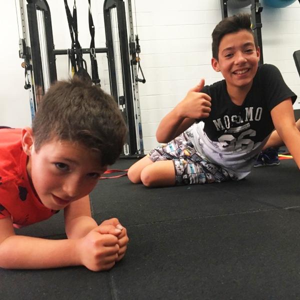 BODYFIT_Kids_Fitness_boys.jpg