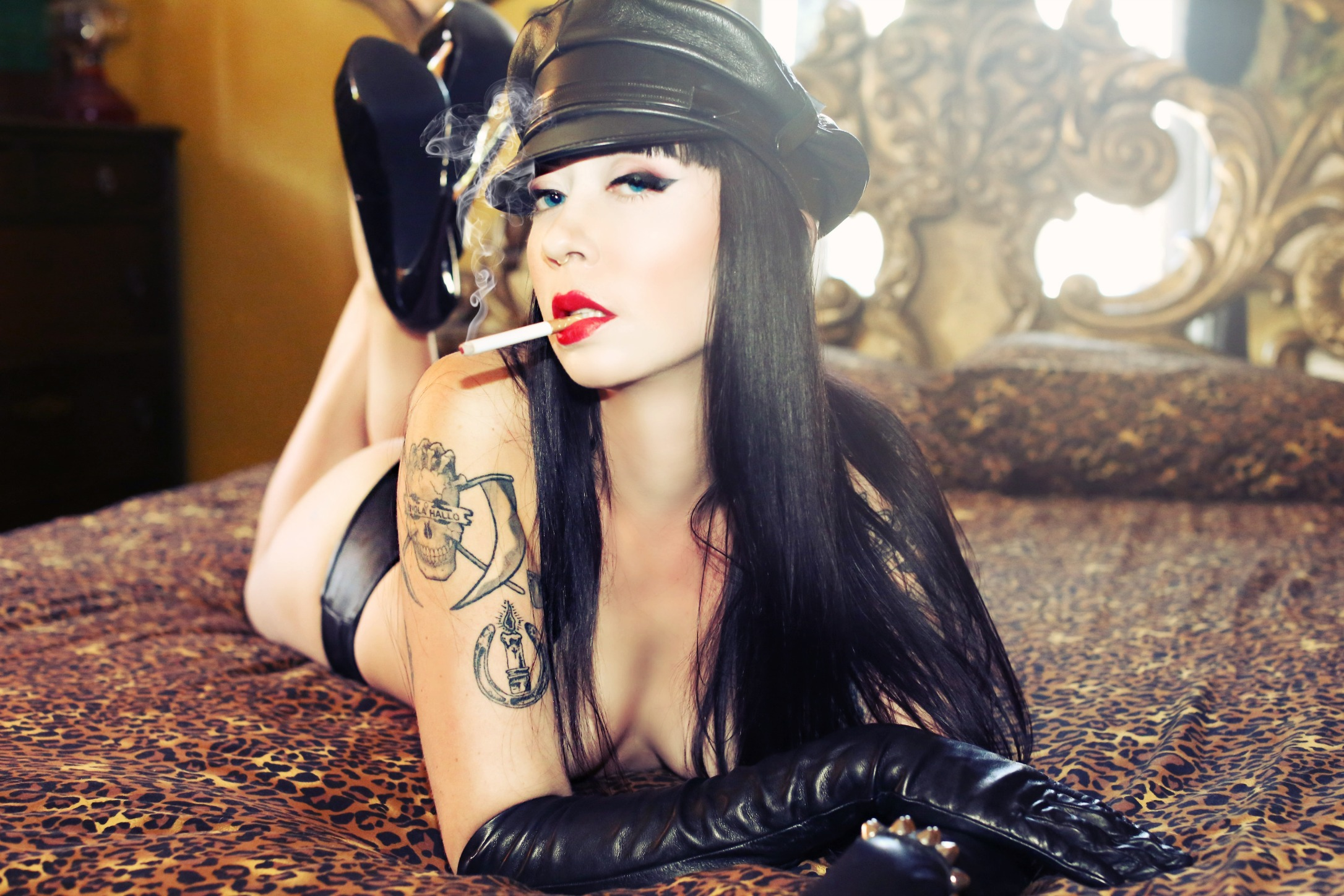 Mistress_Ramona_Ryder_SF_Mistress_Escort_Dominatrix_leather_cigarette_smoking.jpg