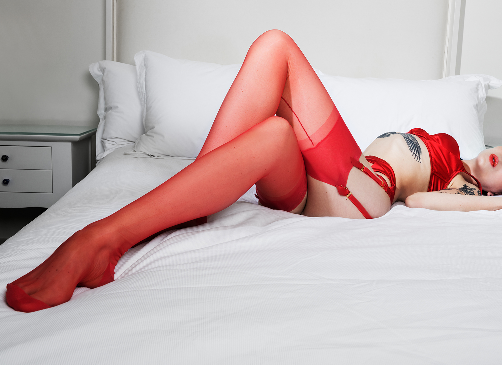 Mistress_Ramona_Ryder_SF_Mistress_Escort_Dominatrix_stocking_garter_long_leg_fetish_worship_feet_foot.jpg