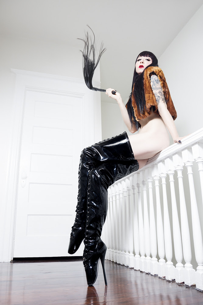 Mistress_Ramona_San_Francisco_SF_Dominatrix_Escort_01.jpg