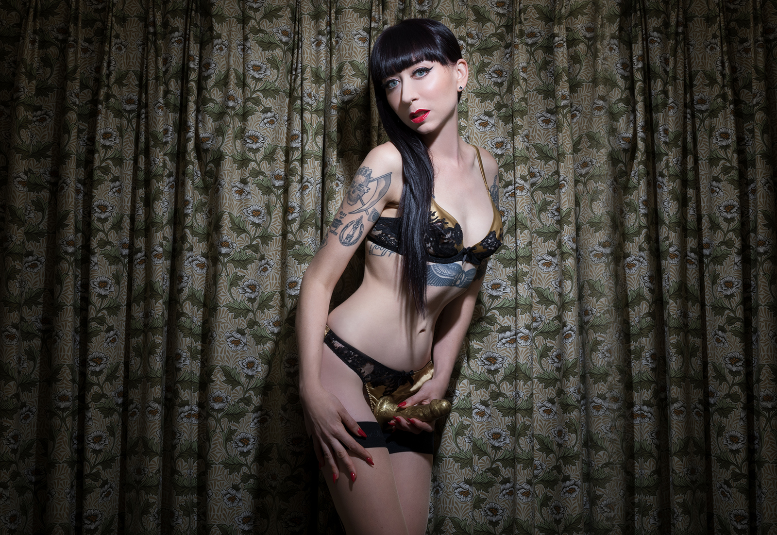 Mistress_Ramona_Ryder_SF_San_Francisco_Escort_Dominatrix_Domme_ GFE_Girlfriend_pegging_strapon_dildo_anal_Queen.jpg