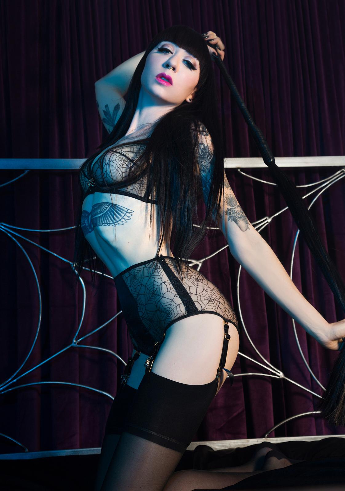 Mistress_Ramona_Ryder_Halloween_Pale_Goth_Punk_SF_NYC_Japan_6.jpg