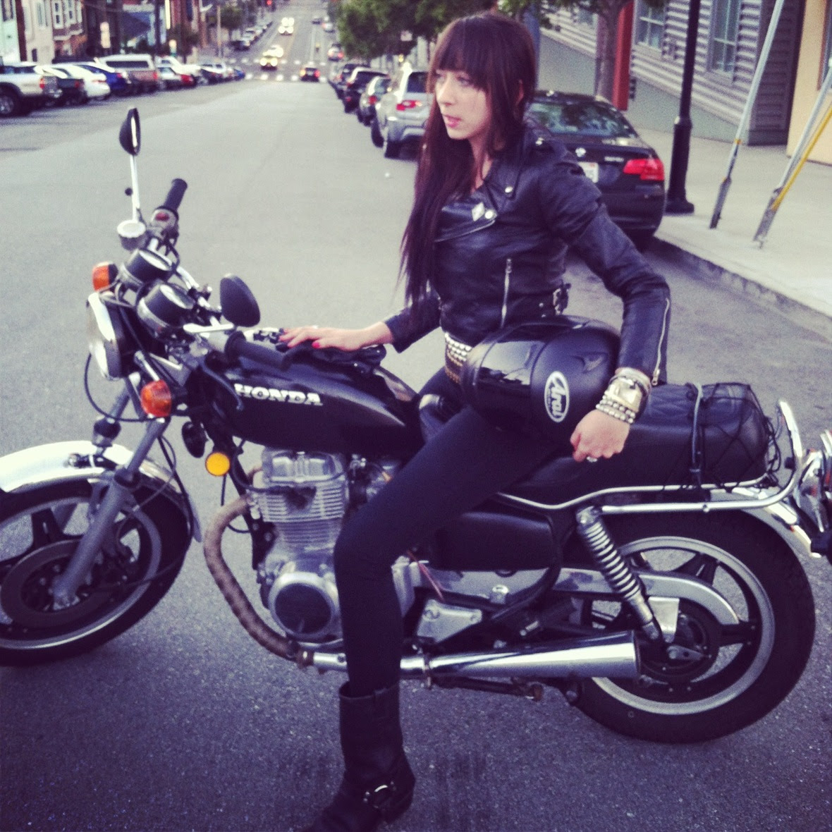 mistress_ramona_ryder_motorcycle_leather_biker_sf_nyc_escort_punk_1