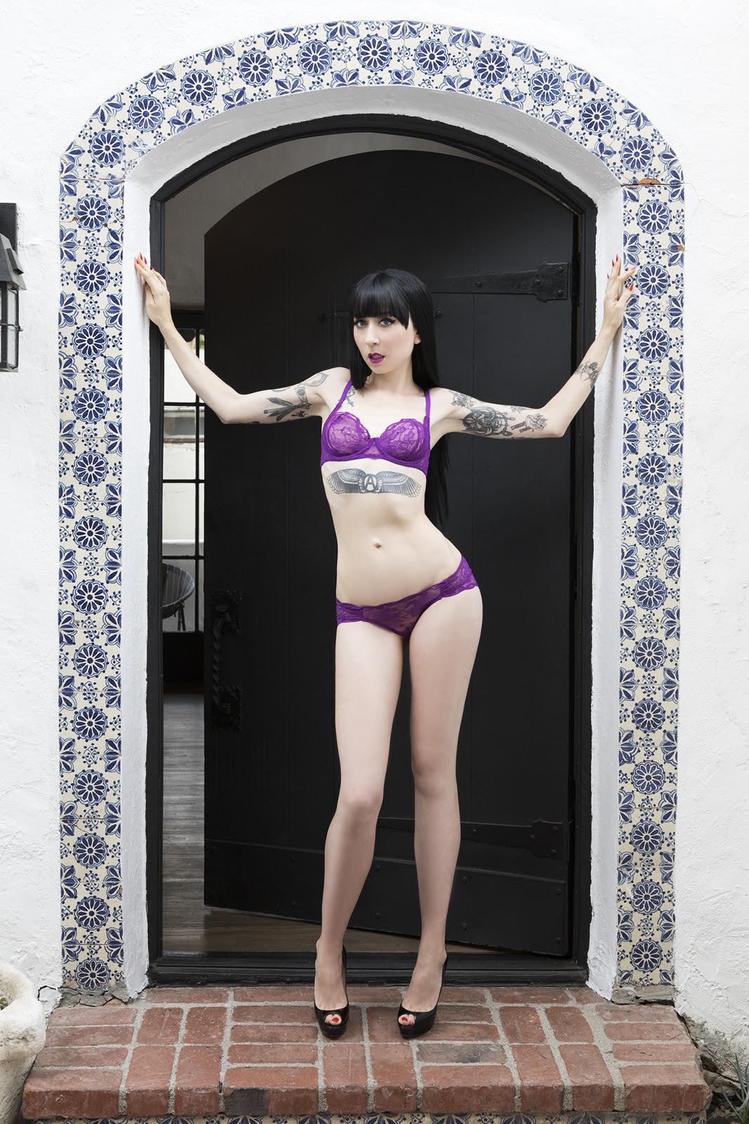 mistress_ramona_ryder_looking_good_sf_nyc_escort_purple_1.jpg