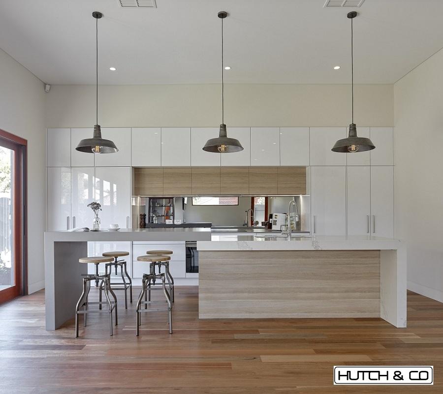 white gloss kitchen with veneer
