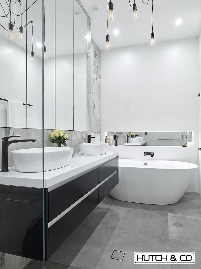 mirror bath niche