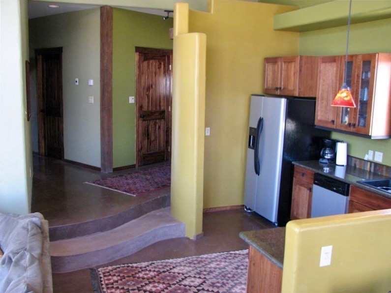 moab-panorama-oasis_kitchen-entry.jpg