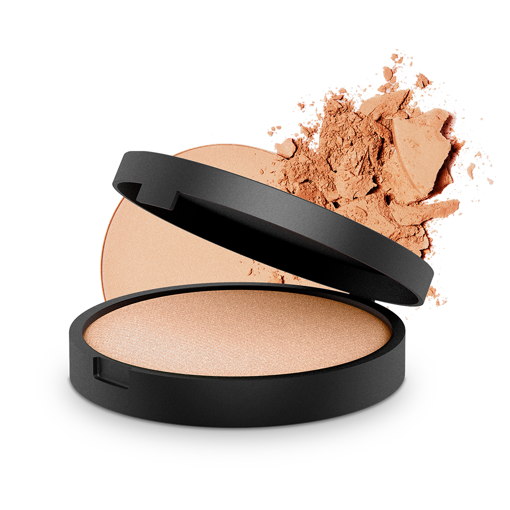 INIKA Organic - Baked Mineral Illuminisor (Dewdrop) - This illuminisor has seriously changed my make up game forever! A little goes a long way and it always gives my face the most beautiful highlight and glow. I use it on my cheekbones, tip of my nose, cupid's bow and brow bone for a perfect all-over radiant glow.