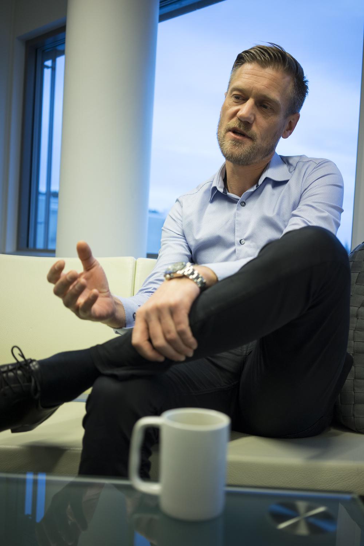 Joakim Helland, Daglig Leder i Helland Møbler.(Foto: Michael Andre Furnes Olsen)