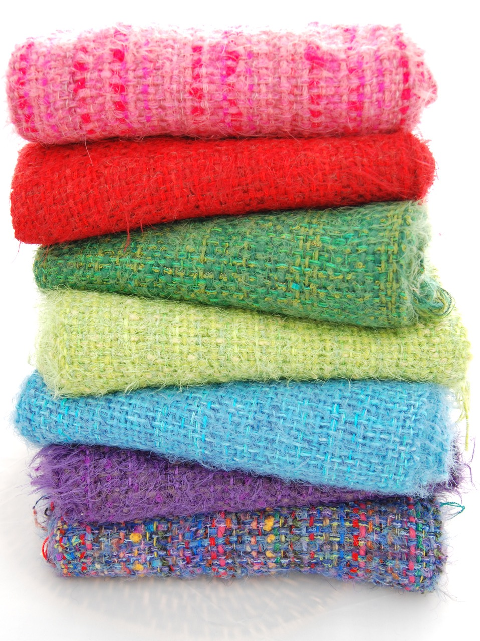 Dagnyd  Handmade textiles and accessories from Guatemala and Italy in beautiful and fun colours.