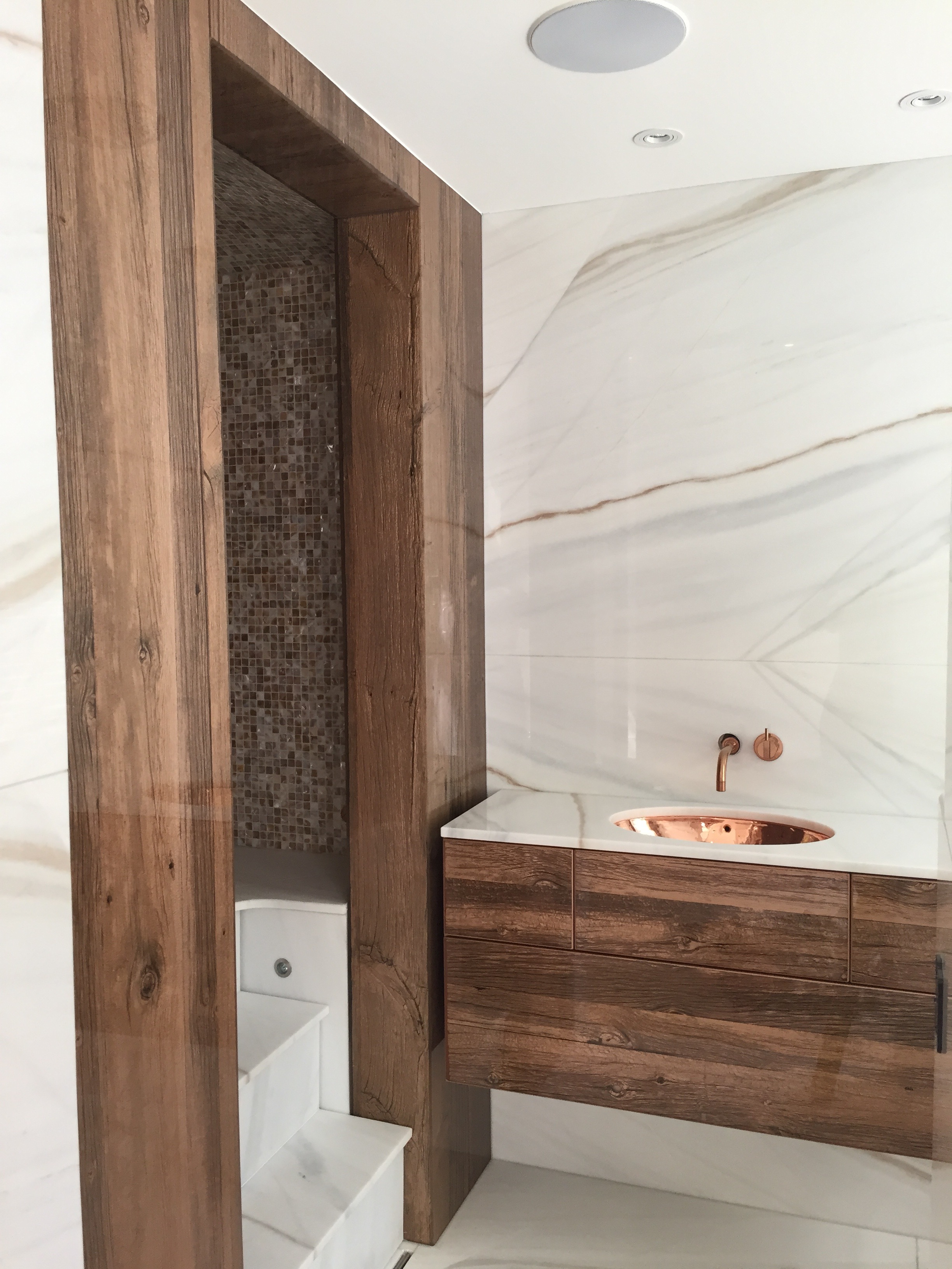 BITC bathroom Iced palomino Amsterdam .jpeg