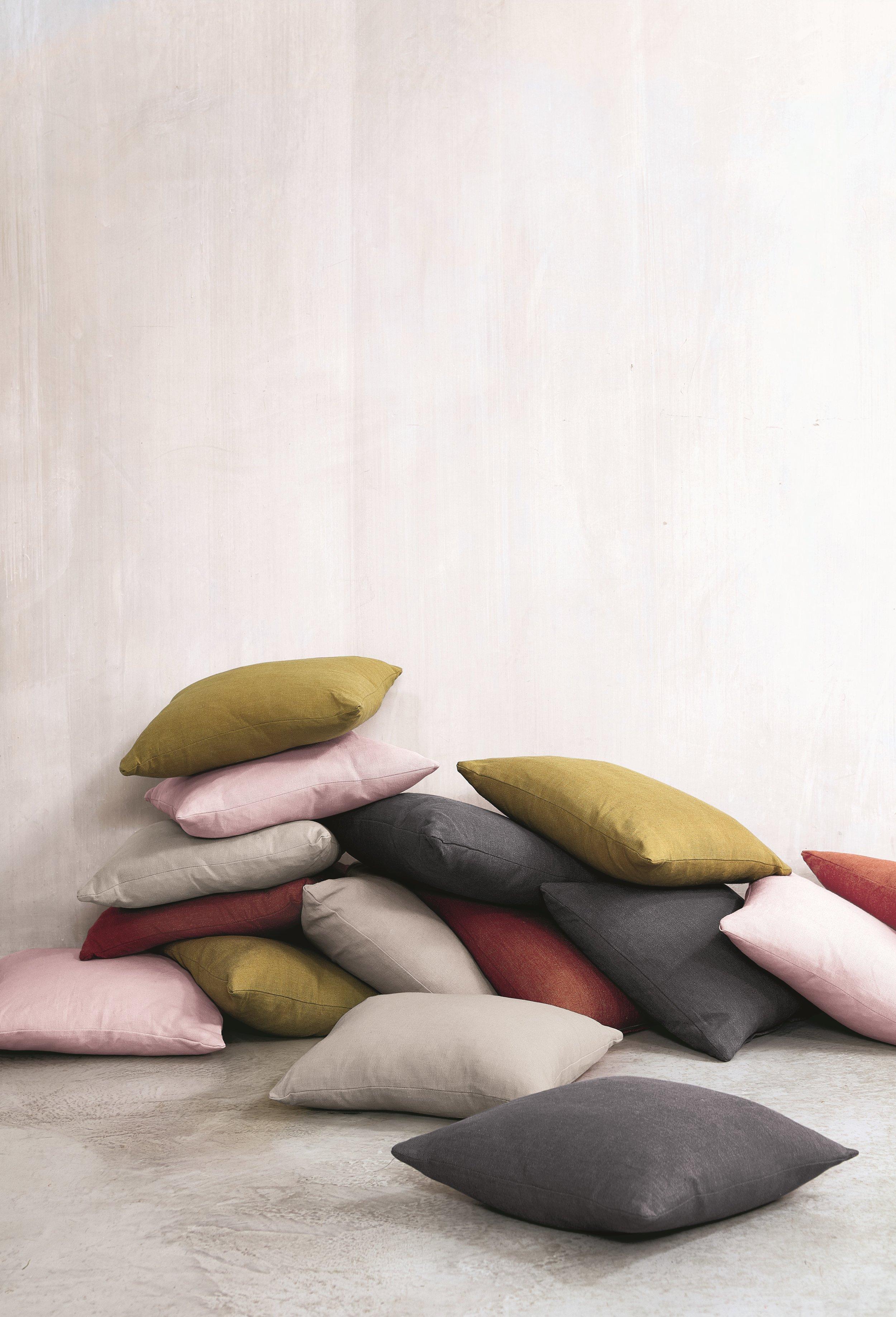 VN-Mala - Cushions - Shot 01 _ 007 1.jpg