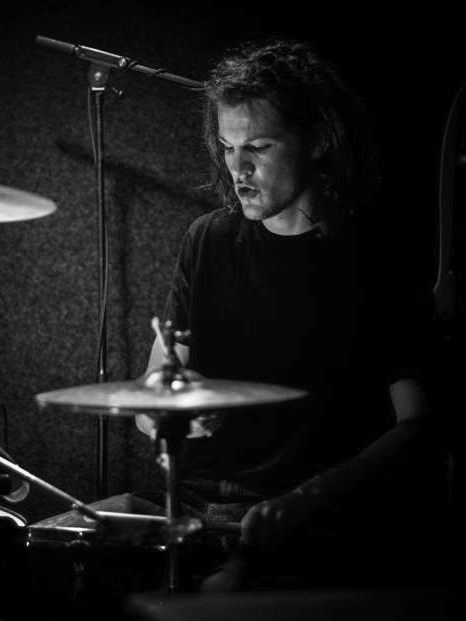 JOERI WARMERDAM - Drums    Facebook  /  Instagram