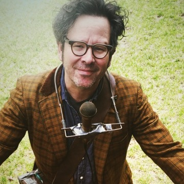 Grant Lee Phillips - THE TOWN TROUBADOUR HIMSELF IS MAKING HIS FIRST APPEARANCE AT GGFF! GRANT WASN'T JUST ACTING ON GILMORE GIRLS, HE HAS TRAVERSED THE GLOBE WITH HIS MUSIC, NOT JUST STARS HOLLOW, AND WE CAN'T WAIT TO MEET HIM.