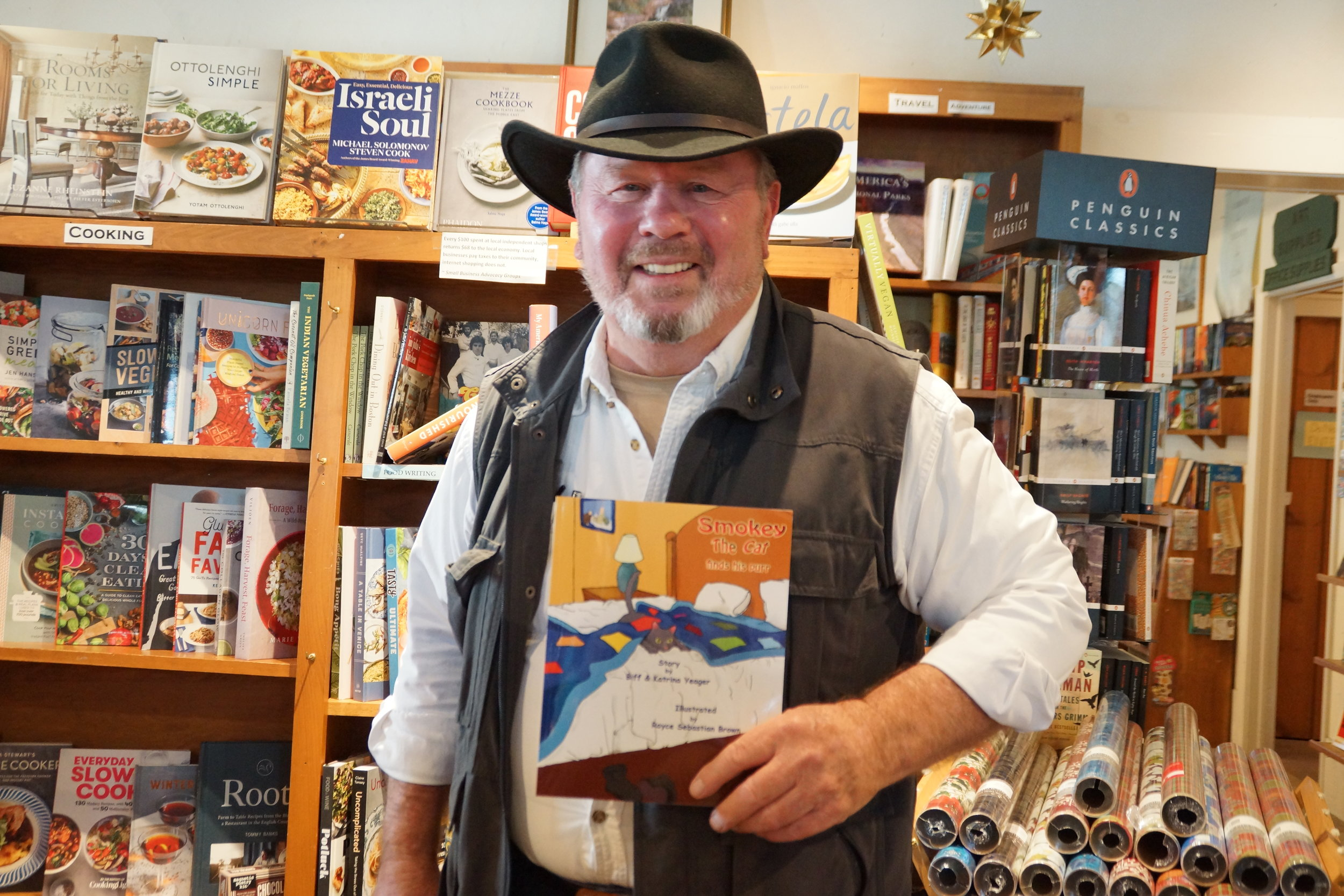 BIFF YEAGER - YOU MIGHT KNOW HIM AS TOM, THE STARS HOLLOW CONTRACTOR, BUT WE KNOW HIM AS BIFF THE AUTHOR, PHOTOGRAPHER & ARTIST! AND, WE'RE SO GLAD WE'LL SEE HIM WALKING THE STREETS OF UNIONVILLE WITH US!