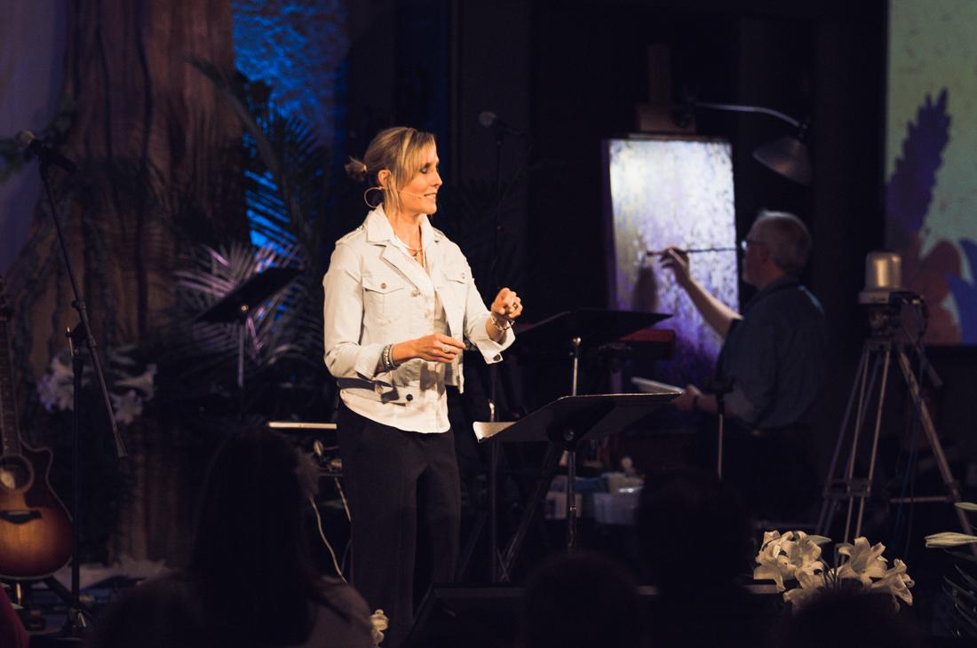 Tracey Preaching1.jpg