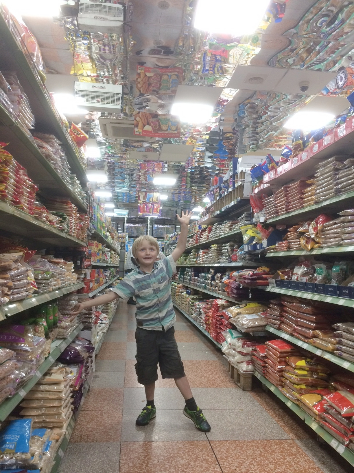 5-2017-august-felix-food-shopping-thewelcometent-humanKINDER.JPG