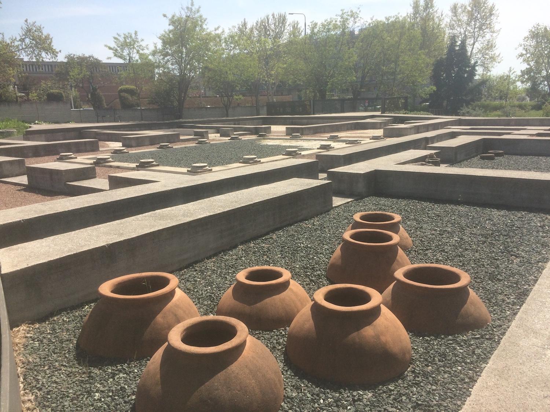 pots_ancient_greece_thessaliniki_april_2018.JPG