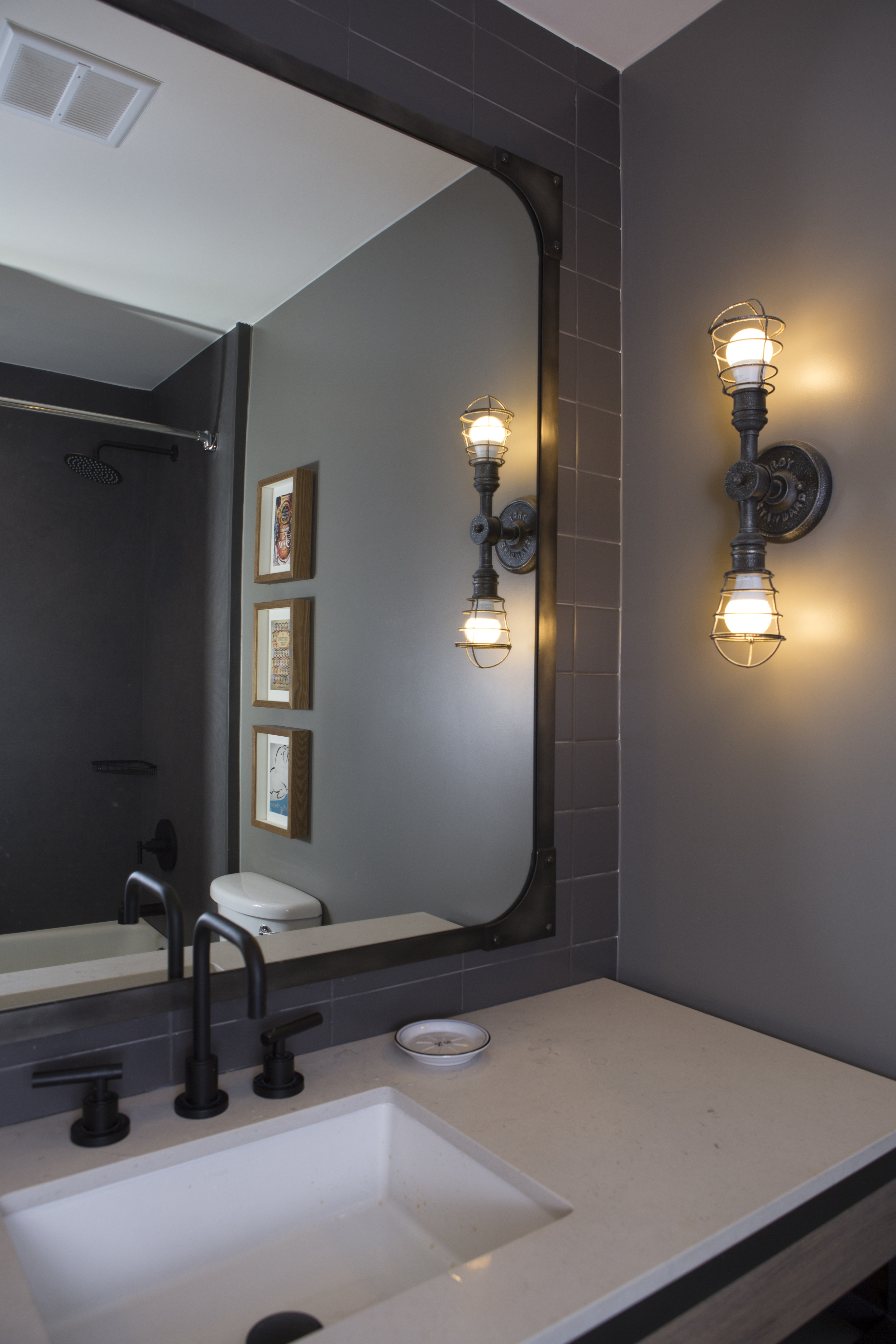 Pier 2620 Guest Bathroom
