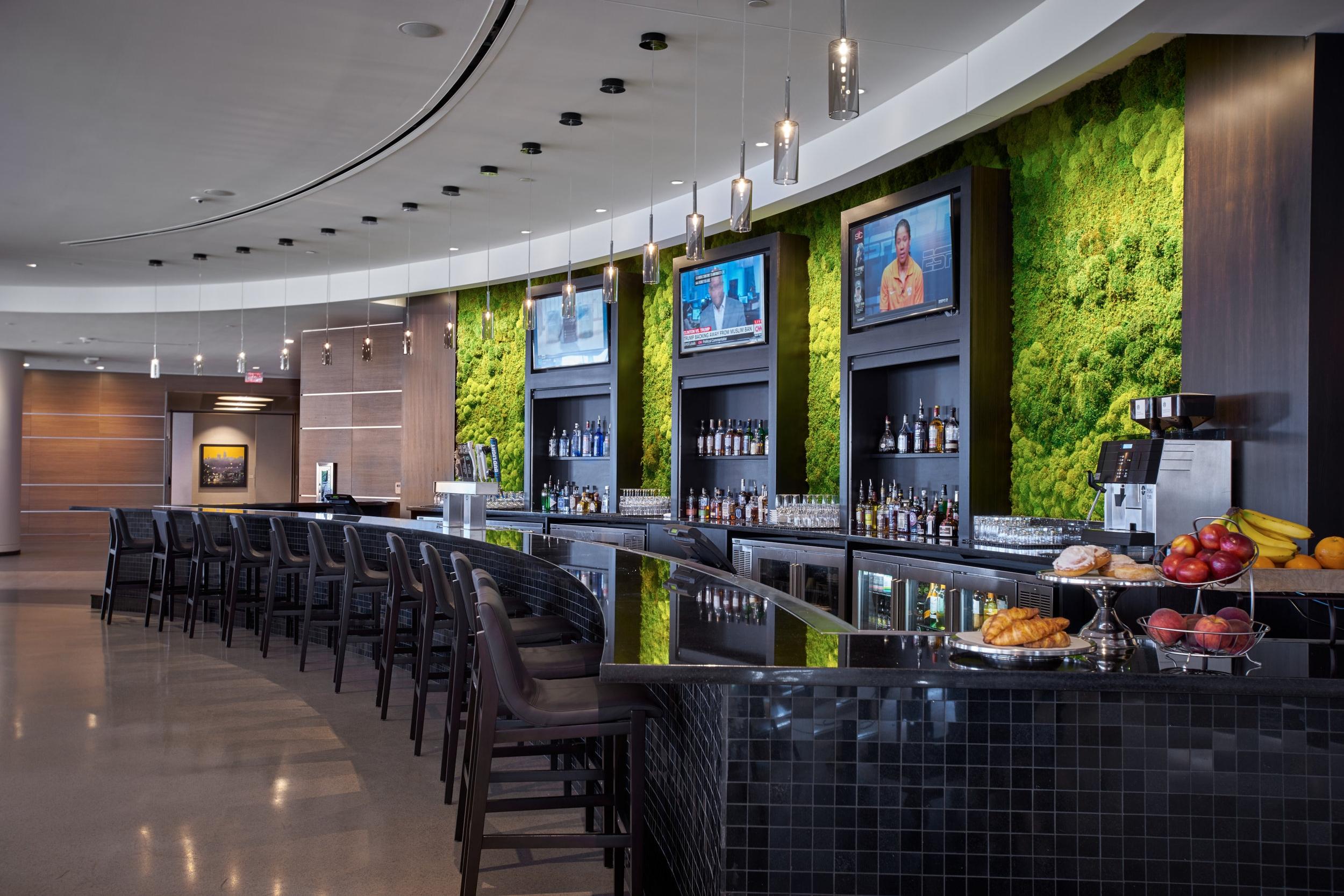 Hilton Cleveland Downtown Bar