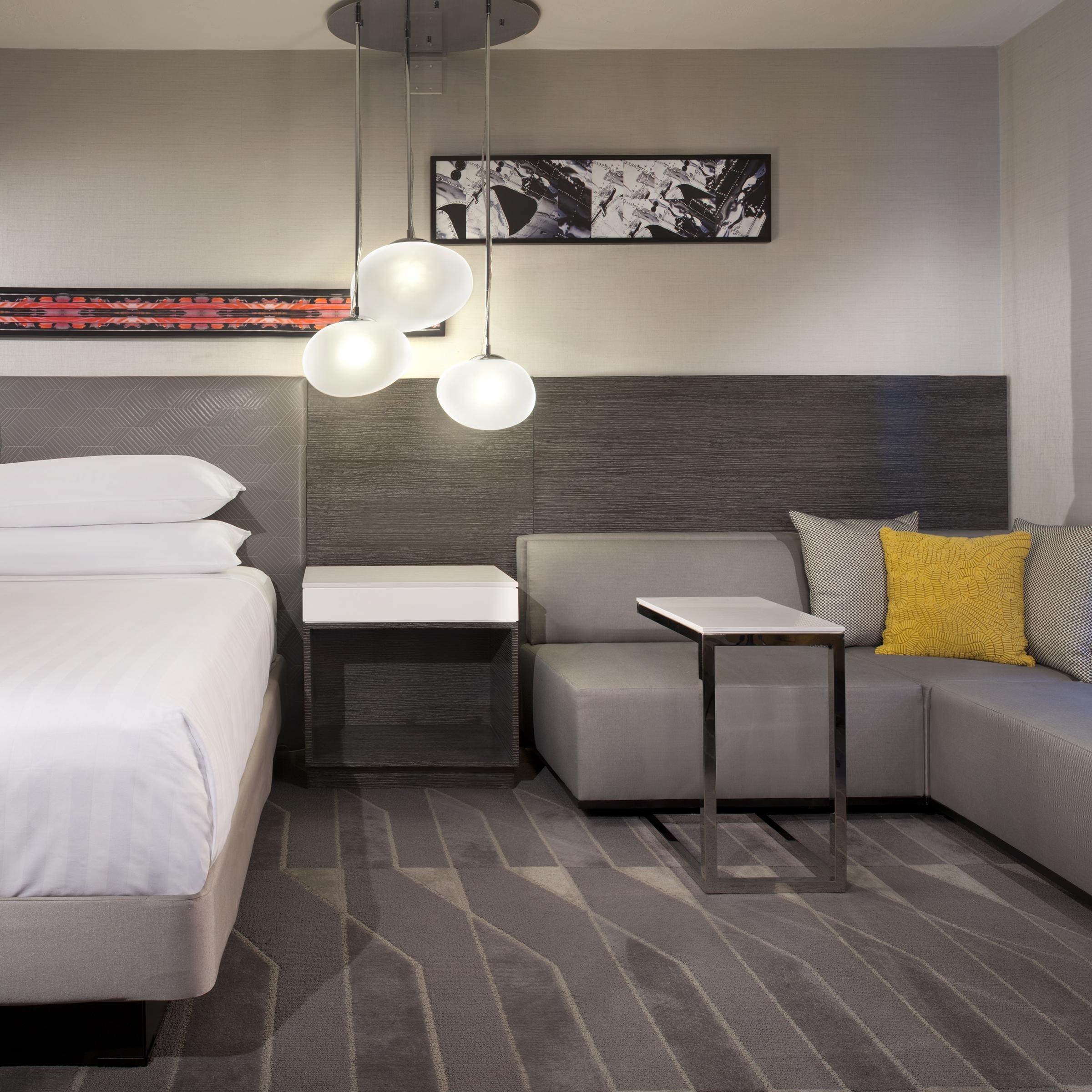 Hyatt Regency LAX Guestroom