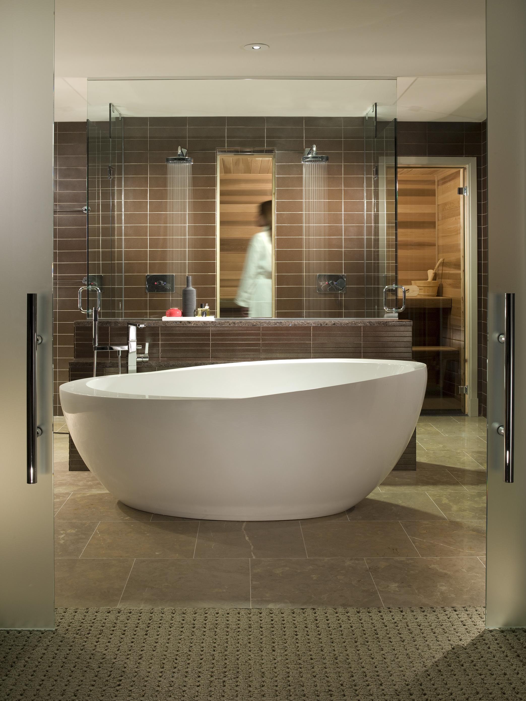 Intercontinental Chicago O'Hare Suite Bathroom