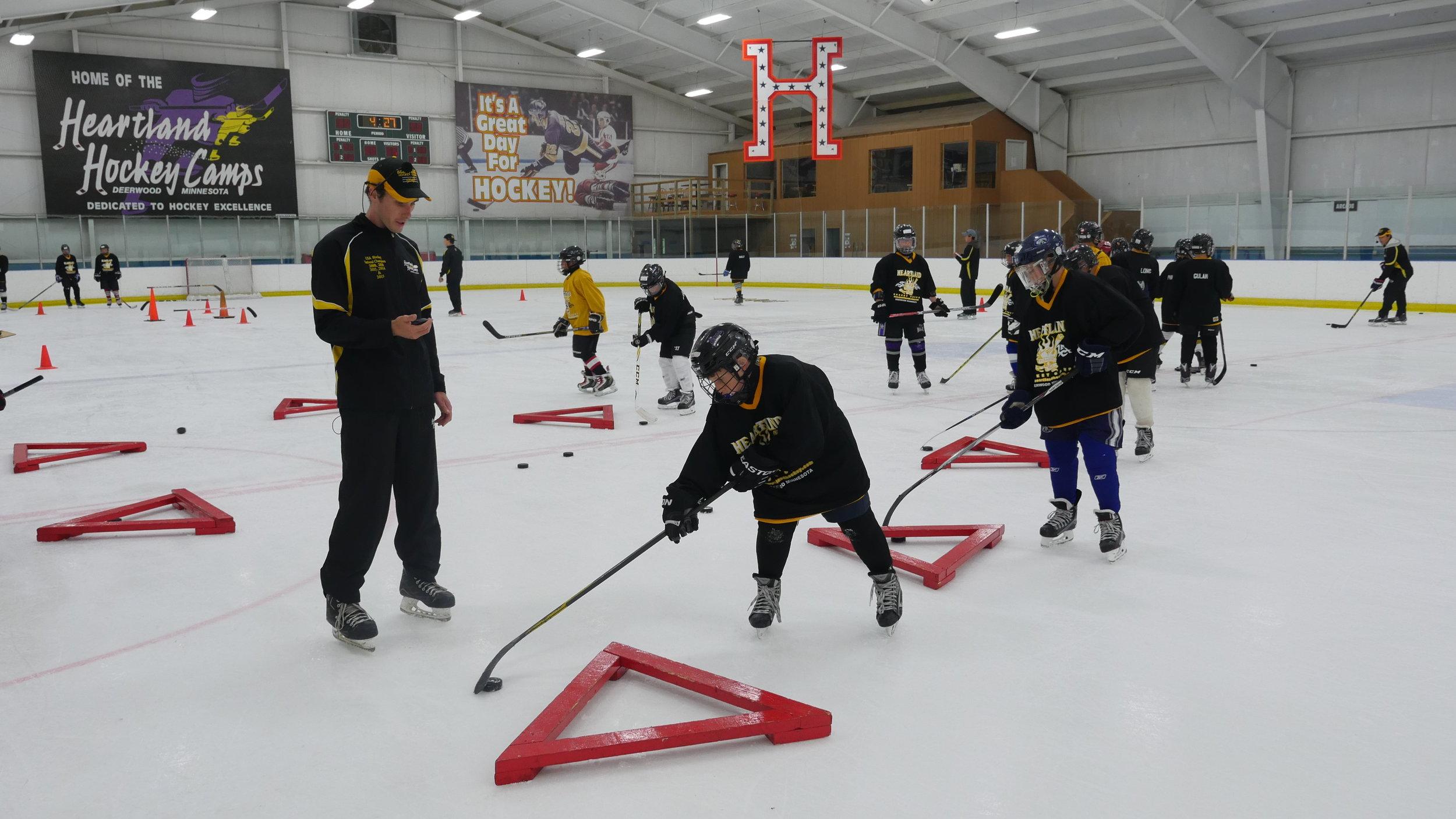Pee-wee-hockey-camp.JPG