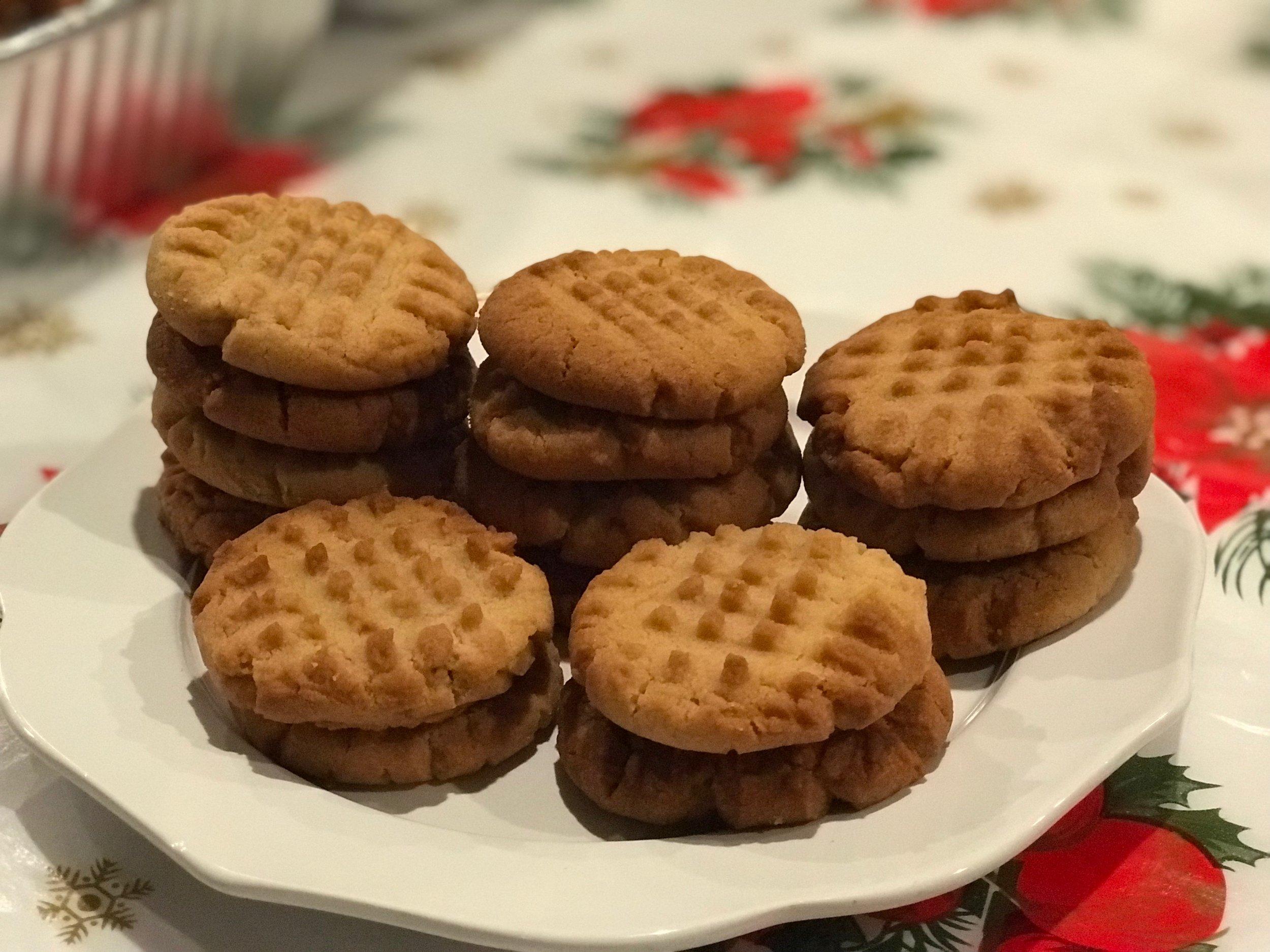 peanut butter cookies.jpeg