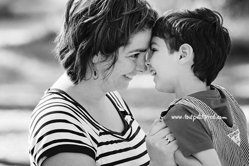 Maman-et-enfant-qui-rient.jpg