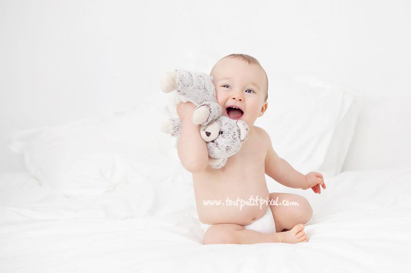 photo-bebe-calin.jpg