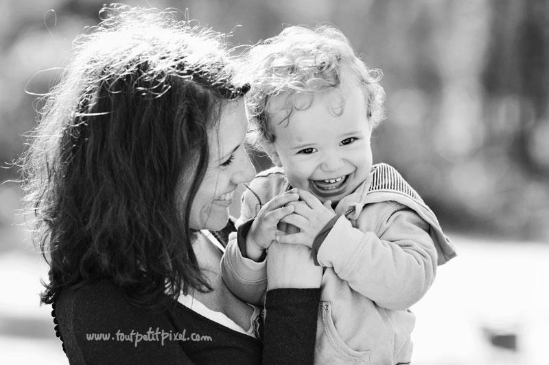 portrait-maman-bebe-qui-rient.jpg