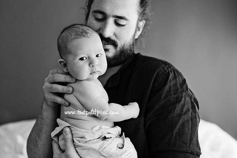 portrait-papa-bebe-noir-et-blanc.jpg