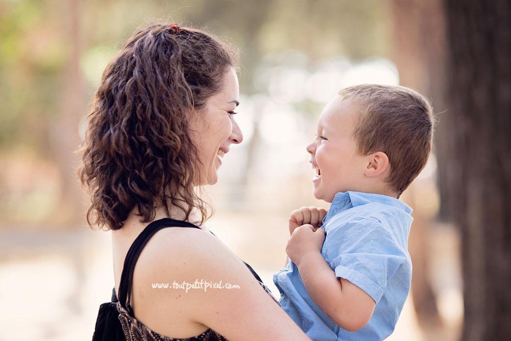 photographe-maman-enfant-rire.jpg