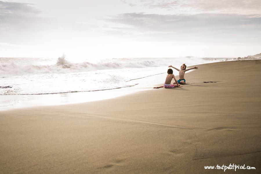 Enfants-sur-la-plage.jpg