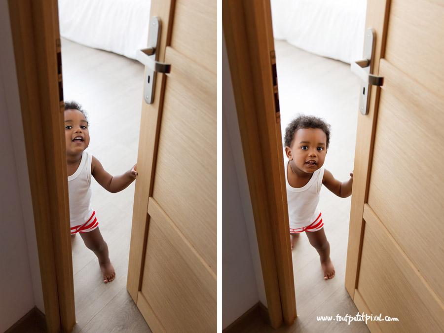 bebe-qui-ouvre-une-porte.jpg