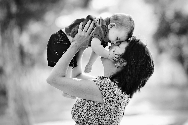 photographe-bebe-maman-marseille.jpg