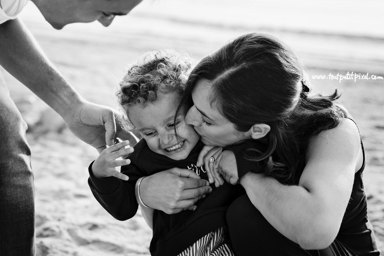 photo-de-famille-lifestyle-bisou.jpg
