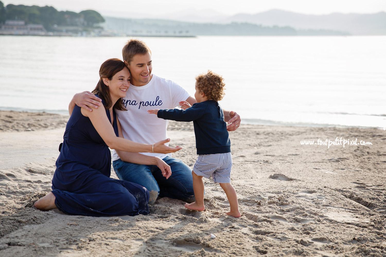 photographe-famille-marseille-plage.jpg