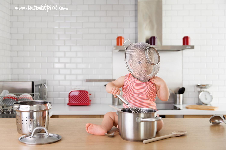 bebe-qui-joue-avec-instruments-de-cuisine.jpg