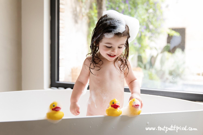photographe-enfant-marseille-bain.jpg