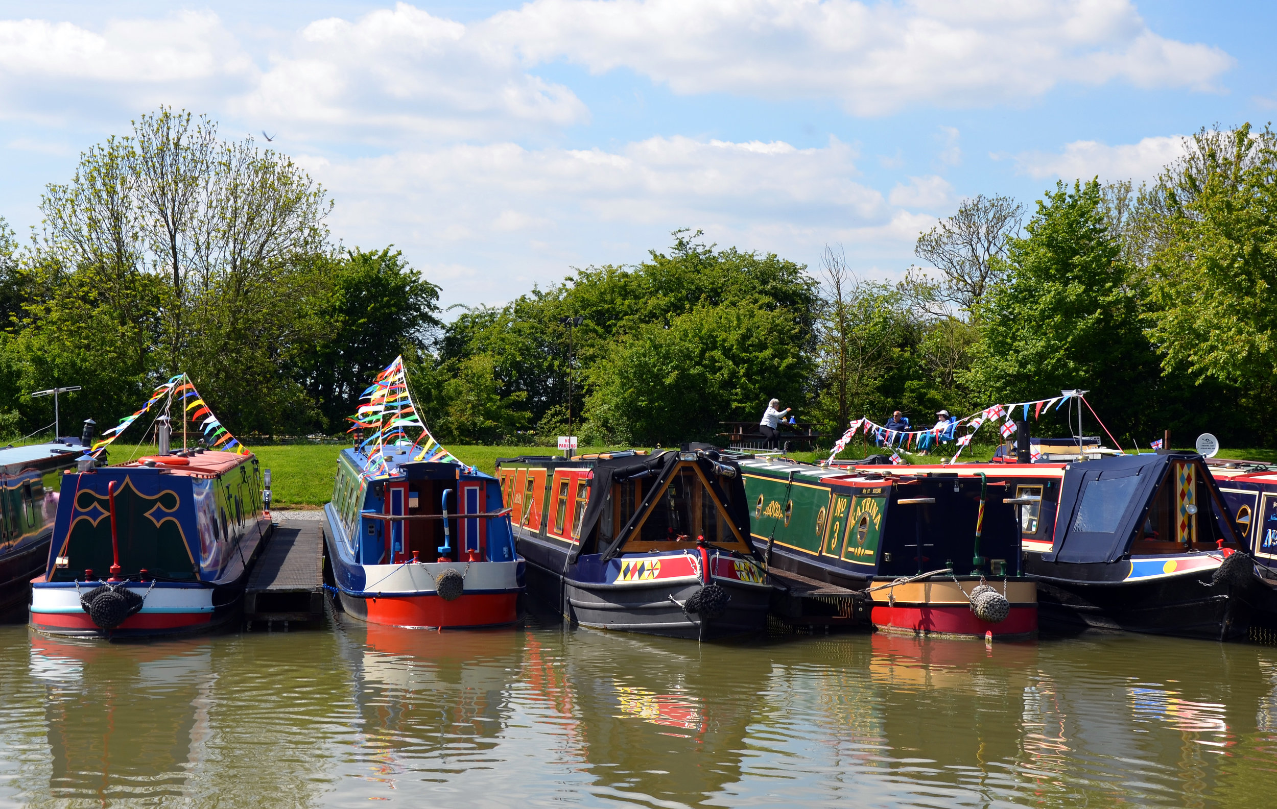 Every narrowboat is as unique as the people who own them! 📷by  Phoebe Smith
