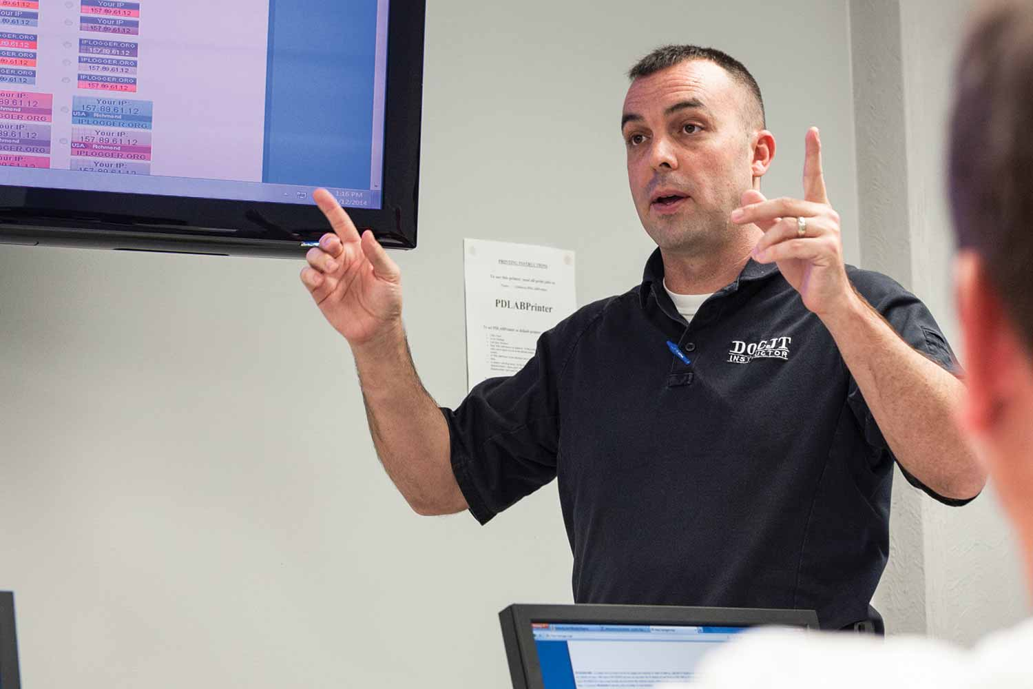 DOCJT Training Instructor Eric Long teaches an-inservice class about social media investigations. Long said this course was one of his favorites he has taught at DOCJT. (Photo by Jim Robertson)