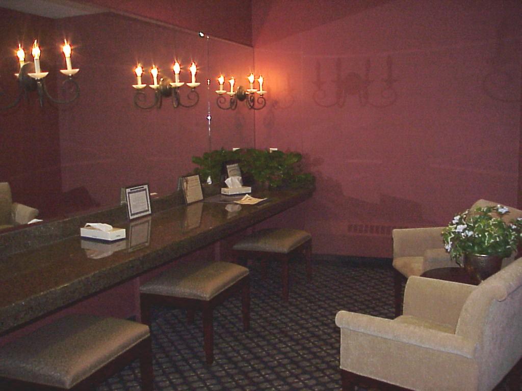 Oclub W Restroom 1.JPG