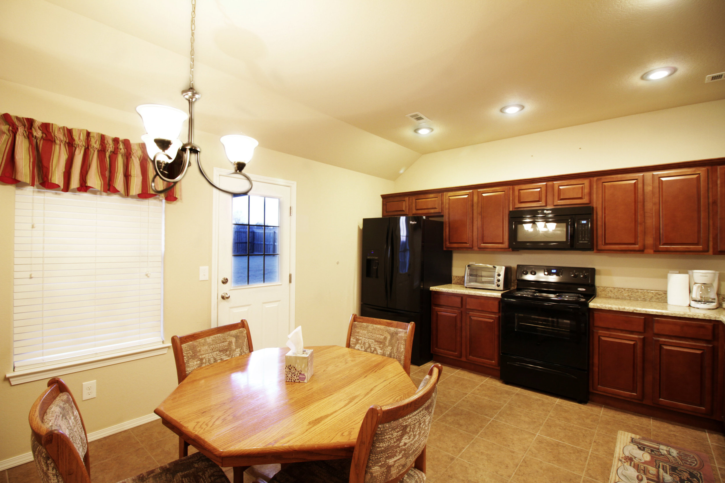 3050 Hook Lane Kitchen 1.jpg