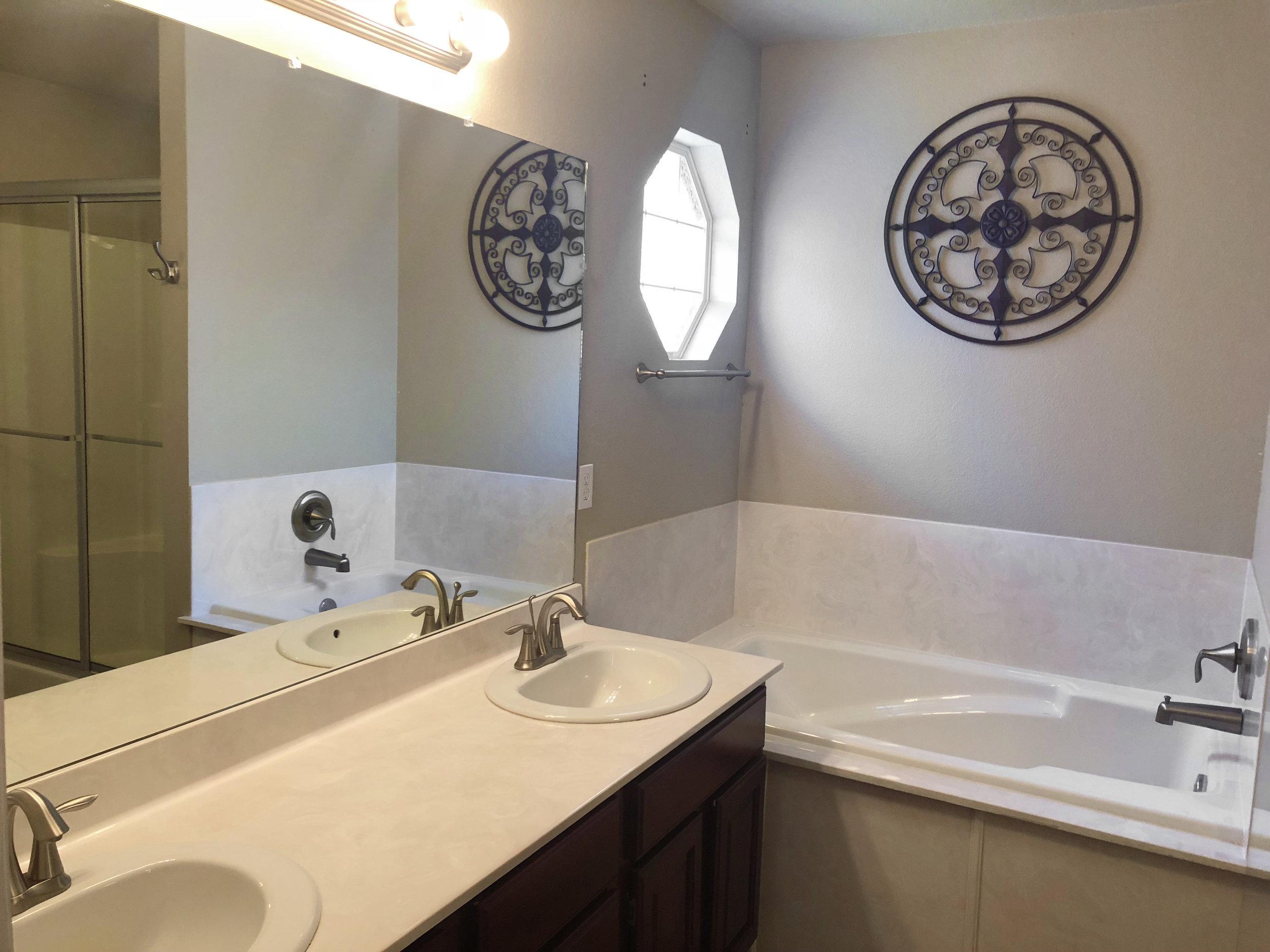 CornwallAve_Bathroom.jpg