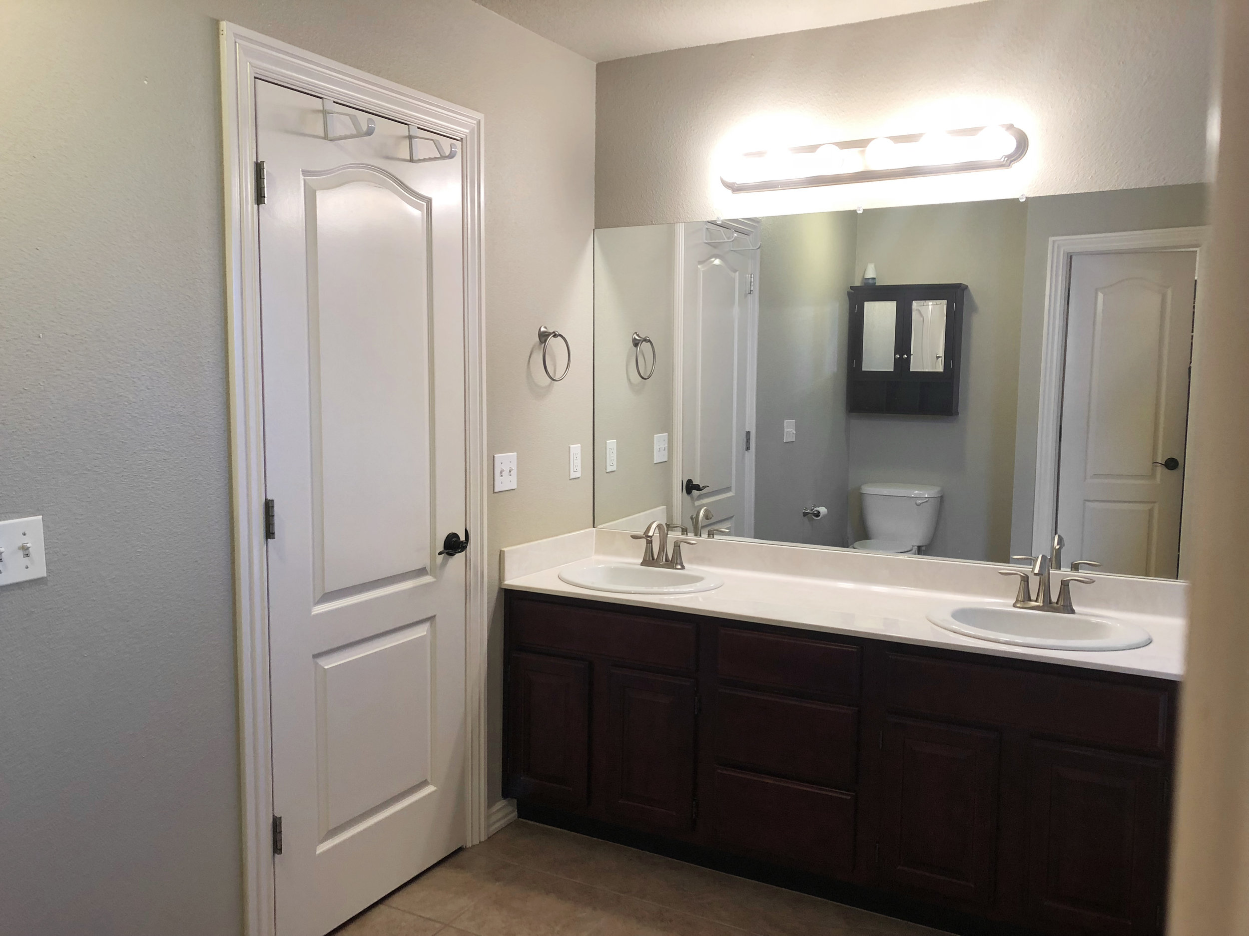 CornwallAve_Bathroom3.jpg