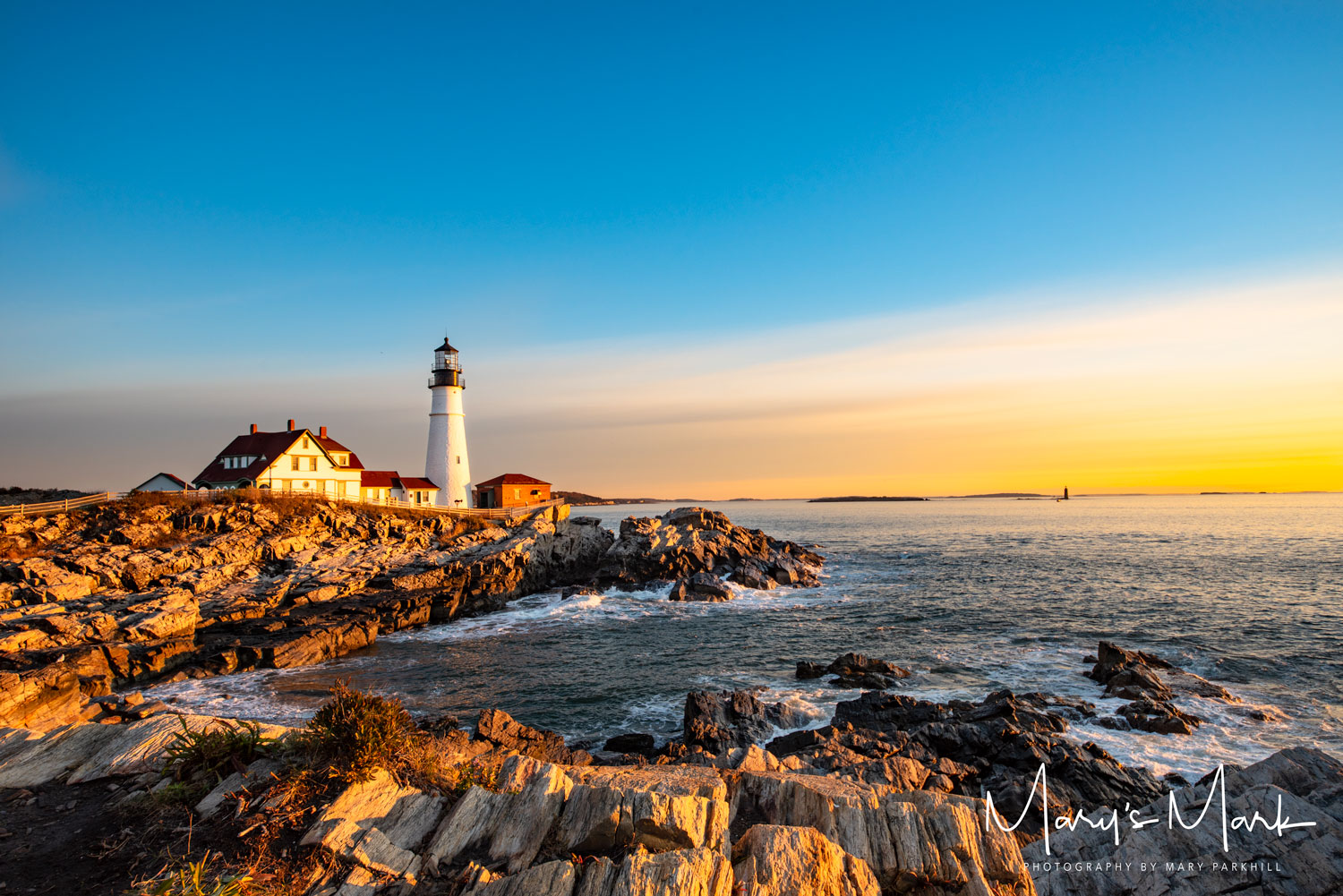 sunrise over portland maine lighthouse
